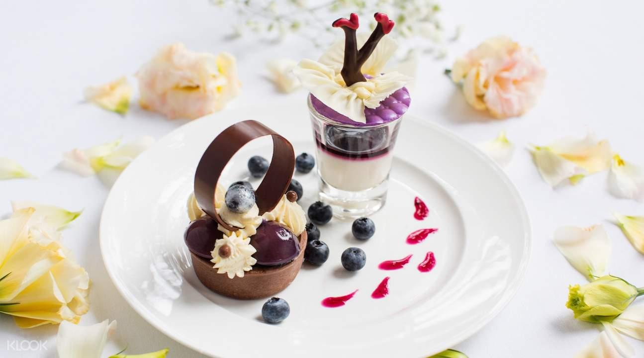 dessert at Lobby Lounge at Shangri-La Hotel Bangkok